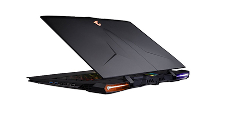 The Aorus X9, being one of the only slim laptop to feature two graphics card in SLI.